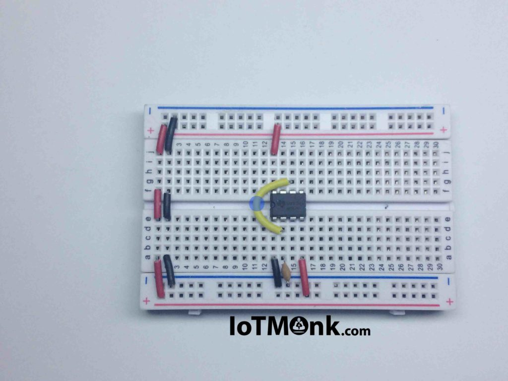 Laser sound and LED flash using 555 timer IC - Breadboard tutorial (4)