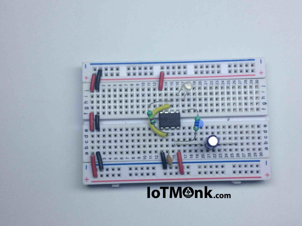 Laser sound and LED flash using 555 timer IC - Breadboard tutorial (8)